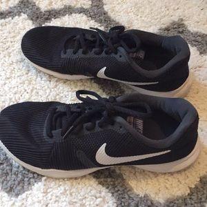 Nike flex bijou size 7.5